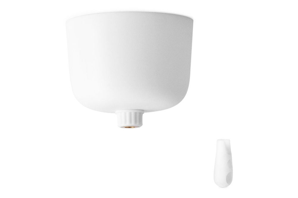 https://res.cloudinary.com/clippings/image/upload/t_big/dpr_auto,f_auto,w_auto/v1604652578/products/canopy-white-normann-copenhagen-normann-copenhagen-clippings-9055251.jpg
