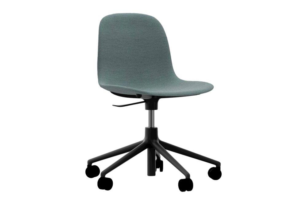 https://res.cloudinary.com/clippings/image/upload/t_big/dpr_auto,f_auto,w_auto/v1604654444/products/form-swivel-chair-5w-gaslift-fully-upholstered-steelcut-trio-2-815-nc-black-aluminium-normann-copenhagen-simon-legald-clippings-9107881.jpg