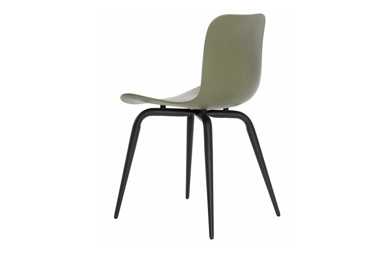 https://res.cloudinary.com/clippings/image/upload/t_big/dpr_auto,f_auto,w_auto/v1604662837/products/langue-avantgarde-dining-chair-black-norr11-knut-bendik-humlevik-rune-krojgaard-clippings-8579461.jpg