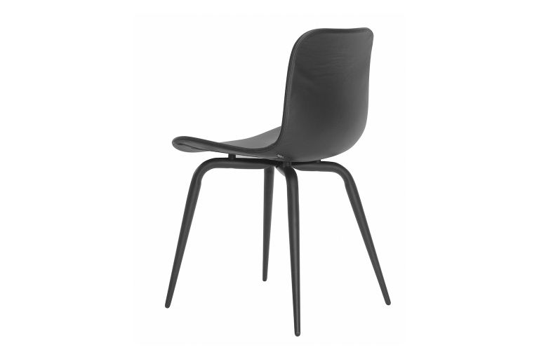 https://res.cloudinary.com/clippings/image/upload/t_big/dpr_auto,f_auto,w_auto/v1604664100/products/langue-avantgarde-dining-chair-black-leather-norr11-knut-bendik-humlevik-rune-krojgaard-clippings-8739701.jpg
