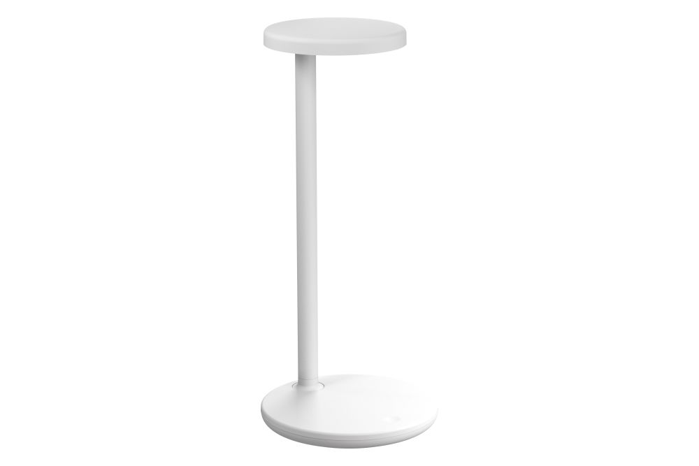 https://res.cloudinary.com/clippings/image/upload/t_big/dpr_auto,f_auto,w_auto/v1604946682/products/oblique-qi-table-lamp-flos-vincent-van-duysen-clippings-11482145.jpg