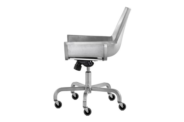 https://res.cloudinary.com/clippings/image/upload/t_big/dpr_auto,f_auto,w_auto/v1605702241/products/sezz-swivel-chair-with-castors-emeco-christophe-pillet-clippings-4966992.jpg