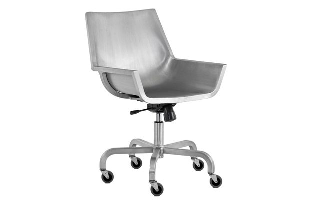https://res.cloudinary.com/clippings/image/upload/t_big/dpr_auto,f_auto,w_auto/v1605702251/products/sezz-swivel-chair-with-castors-emeco-christophe-pillet-clippings-4966812.jpg