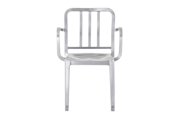 https://res.cloudinary.com/clippings/image/upload/t_big/dpr_auto,f_auto,w_auto/v1606121705/products/heritage-rocking-armchair-emeco-philippe-starck-clippings-8038292.jpg