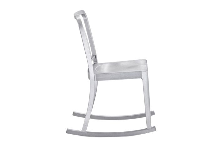 https://res.cloudinary.com/clippings/image/upload/t_big/dpr_auto,f_auto,w_auto/v1606122486/products/heritage-rocking-chair-emeco-philippe-starck-clippings-8031282.jpg