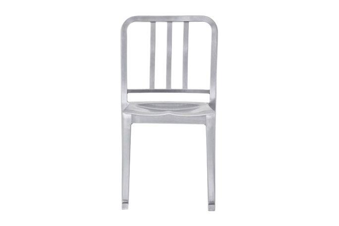 https://res.cloudinary.com/clippings/image/upload/t_big/dpr_auto,f_auto,w_auto/v1606122497/products/heritage-rocking-chair-emeco-philippe-starck-clippings-8031202.jpg