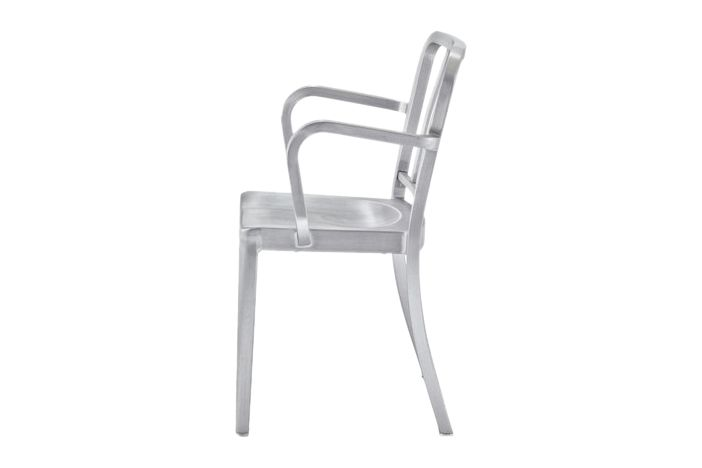 https://res.cloudinary.com/clippings/image/upload/t_big/dpr_auto,f_auto,w_auto/v1606123227/products/heritage-stacking-armchair-emeco-philippe-starck-clippings-1824582.jpg