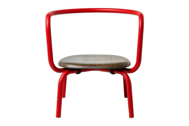 https://res.cloudinary.com/clippings/image/upload/t_big/dpr_auto,f_auto,w_auto/v1606124657/products/parrish-lounge-chair-powder-coated-coral-red-walnut-emeco-konstantin-grcic-clippings-11348078.jpg