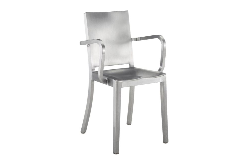 https://res.cloudinary.com/clippings/image/upload/t_big/dpr_auto,f_auto,w_auto/v1606124877/products/hudson-armchair-hand-brushed-emeco-philippe-starck-clippings-9312831.jpg