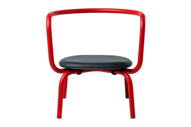 https://res.cloudinary.com/clippings/image/upload/t_big/dpr_auto,f_auto,w_auto/v1606125039/products/parrish-upholstered-lounge-chair-powder-coated-coral-red-960-black-leather-emeco-konstantin-grcic-clippings-11348082.jpg
