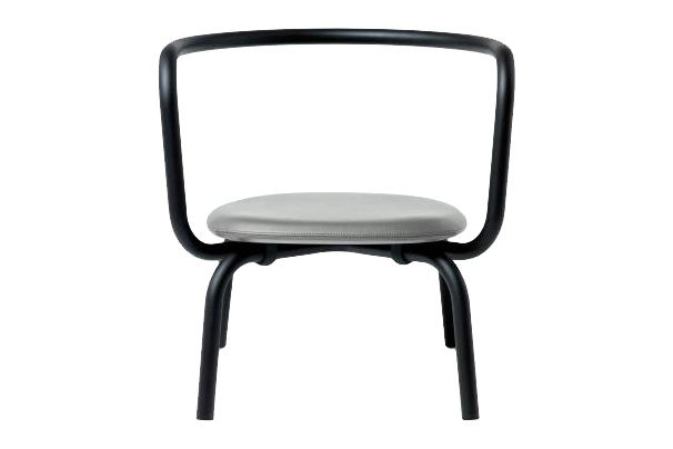 https://res.cloudinary.com/clippings/image/upload/t_big/dpr_auto,f_auto,w_auto/v1606125043/products/parrish-upholstered-lounge-chair-powder-coated-graphite-black-923-grey-leather-emeco-konstantin-grcic-clippings-11348084.jpg