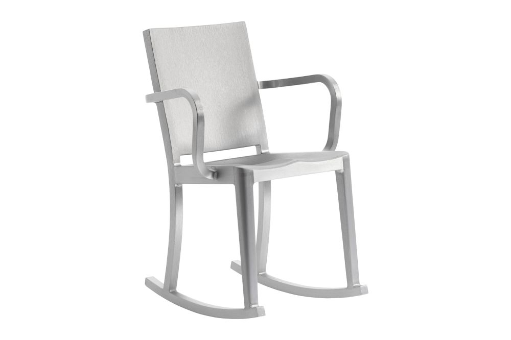 https://res.cloudinary.com/clippings/image/upload/t_big/dpr_auto,f_auto,w_auto/v1606134303/products/hudson-rocking-chair-with-arms-emeco-philippe-starck-clippings-9312511.jpg