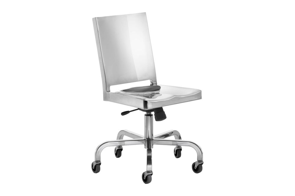 https://res.cloudinary.com/clippings/image/upload/t_big/dpr_auto,f_auto,w_auto/v1606135427/products/hudson-swivel-chair-hand-polished-emeco-philippe-starck-clippings-9314881.jpg