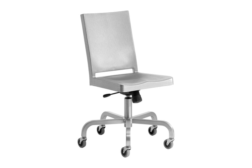 https://res.cloudinary.com/clippings/image/upload/t_big/dpr_auto,f_auto,w_auto/v1606135429/products/hudson-swivel-chair-hand-brushed-emeco-philippe-starck-clippings-9314891.jpg