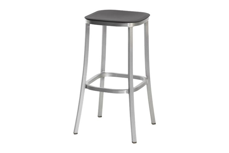 https://res.cloudinary.com/clippings/image/upload/t_big/dpr_auto,f_auto,w_auto/v1606193848/products/1-inch-barstool-dark-grey-hand-brushed-aluminum-emeco-jasper-morrison-clippings-9312591.jpg