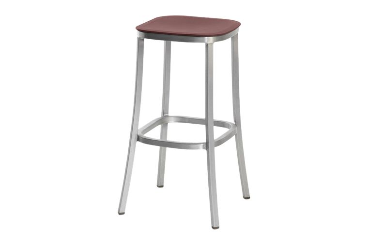https://res.cloudinary.com/clippings/image/upload/t_big/dpr_auto,f_auto,w_auto/v1606193857/products/1-inch-barstool-bordeaux-hand-brushed-aluminum-emeco-jasper-morrison-clippings-9312601.jpg