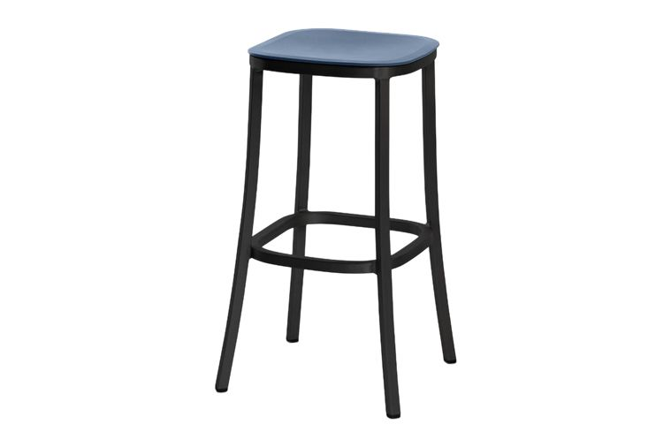 https://res.cloudinary.com/clippings/image/upload/t_big/dpr_auto,f_auto,w_auto/v1606193867/products/1-inch-barstool-green-dark-powder-coated-aluminum-emeco-jasper-morrison-clippings-9312721.jpg