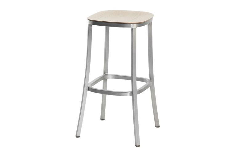 https://res.cloudinary.com/clippings/image/upload/t_big/dpr_auto,f_auto,w_auto/v1606193879/products/1-inch-barstool-ash-dark-powder-coated-aluminum-emeco-jasper-morrison-clippings-9312701.jpg