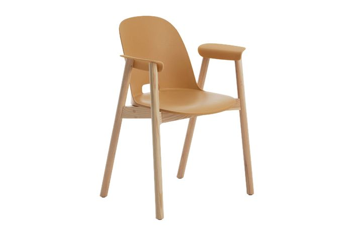 https://res.cloudinary.com/clippings/image/upload/t_big/dpr_auto,f_auto,w_auto/v1606205376/products/alfi-armchair-high-back-emeco-jasper-morrison-clippings-2724232.jpg