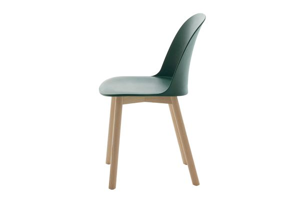https://res.cloudinary.com/clippings/image/upload/t_big/dpr_auto,f_auto,w_auto/v1606206278/products/alfi-chair-high-back-emeco-jasper-morrison-clippings-2736072.jpg