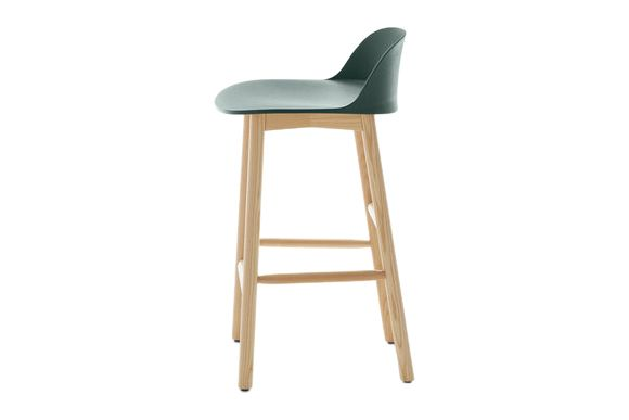 https://res.cloudinary.com/clippings/image/upload/t_big/dpr_auto,f_auto,w_auto/v1606207023/products/alfi-counter-stool-low-back-emeco-jasper-morrison-clippings-2911202.jpg