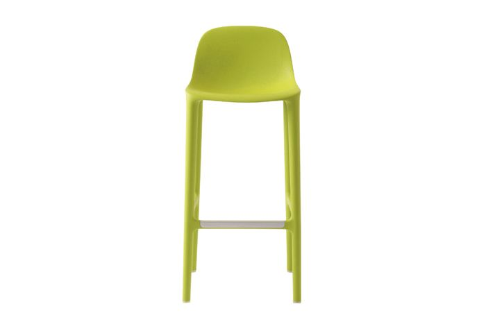 https://res.cloudinary.com/clippings/image/upload/t_big/dpr_auto,f_auto,w_auto/v1606207132/products/broom-barstool-orange-emeco-philippe-starck-clippings-2937522.jpg