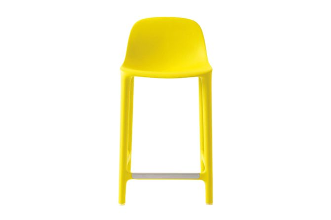 https://res.cloudinary.com/clippings/image/upload/t_big/dpr_auto,f_auto,w_auto/v1606207242/products/broom-counter-stool-yellow-emeco-philippe-starck-clippings-2976252.jpg