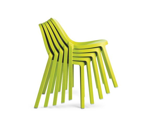 https://res.cloudinary.com/clippings/image/upload/t_big/dpr_auto,f_auto,w_auto/v1606207408/products/broom-stacking-chair-set-of-2-emeco-philippe-starck-clippings-2749322.jpg