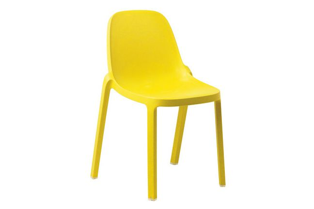 https://res.cloudinary.com/clippings/image/upload/t_big/dpr_auto,f_auto,w_auto/v1606207410/products/broom-stacking-chair-set-of-2-yellow-emeco-philippe-starck-clippings-2749242.jpg