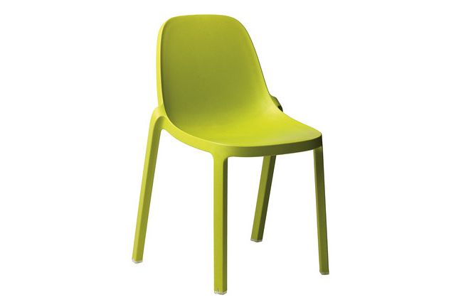 https://res.cloudinary.com/clippings/image/upload/t_big/dpr_auto,f_auto,w_auto/v1606207412/products/broom-stacking-chair-set-of-2-green-emeco-philippe-starck-clippings-2749202.jpg