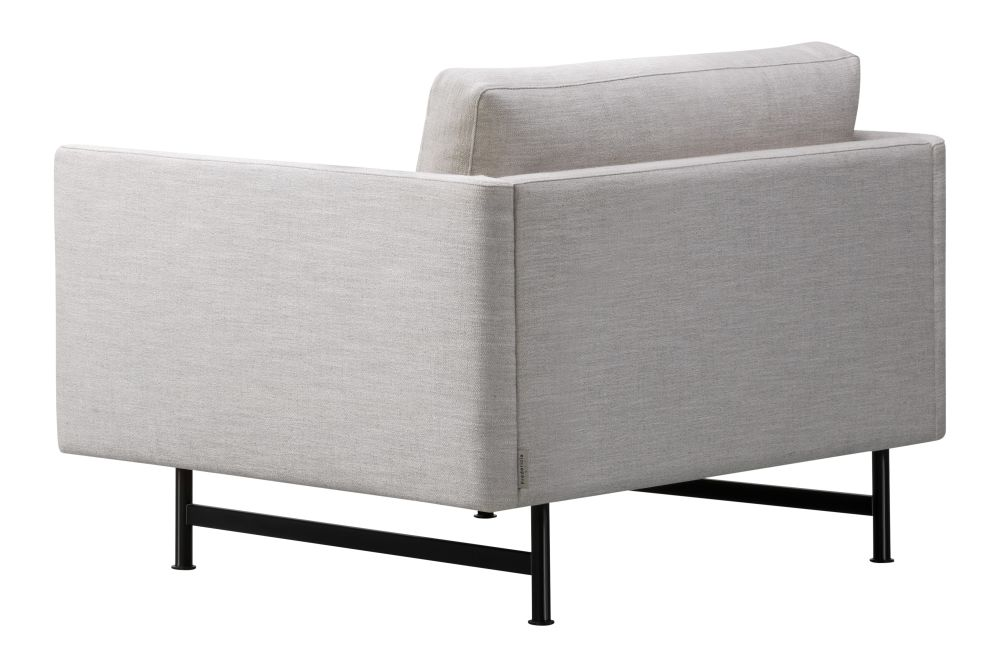 https://res.cloudinary.com/clippings/image/upload/t_big/dpr_auto,f_auto,w_auto/v1606403982/products/calmo-lounge-chair-metal-base-fredericia-hugo-passos-clippings-11484600.jpg