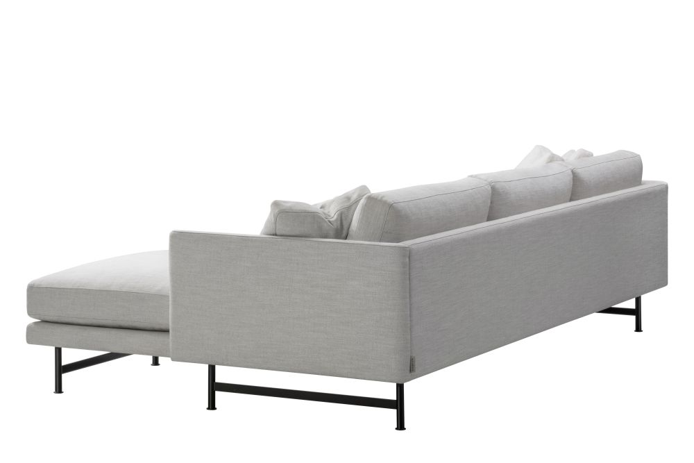 https://res.cloudinary.com/clippings/image/upload/t_big/dpr_auto,f_auto,w_auto/v1606414848/products/calmo-3-seater-chaise-metal-base-fredericia-clippings-11278644.jpg