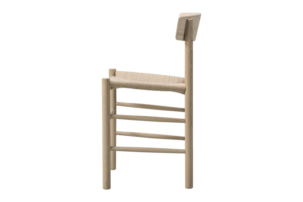 https://res.cloudinary.com/clippings/image/upload/t_big/dpr_auto,f_auto,w_auto/v1606461026/products/j39-the-peoples-chair-beech-soap-treated-natural-paper-cord-fredericia-b%C3%B8rge-mogensen-clippings-9406561.jpg
