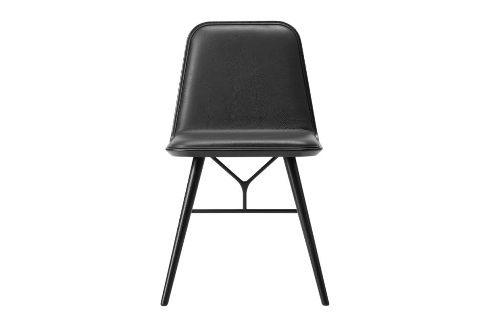 https://res.cloudinary.com/clippings/image/upload/t_big/dpr_auto,f_auto,w_auto/v1606462859/products/spine-wood-base-chair-fredericia-space-copenhagen-clippings-9440031.jpg