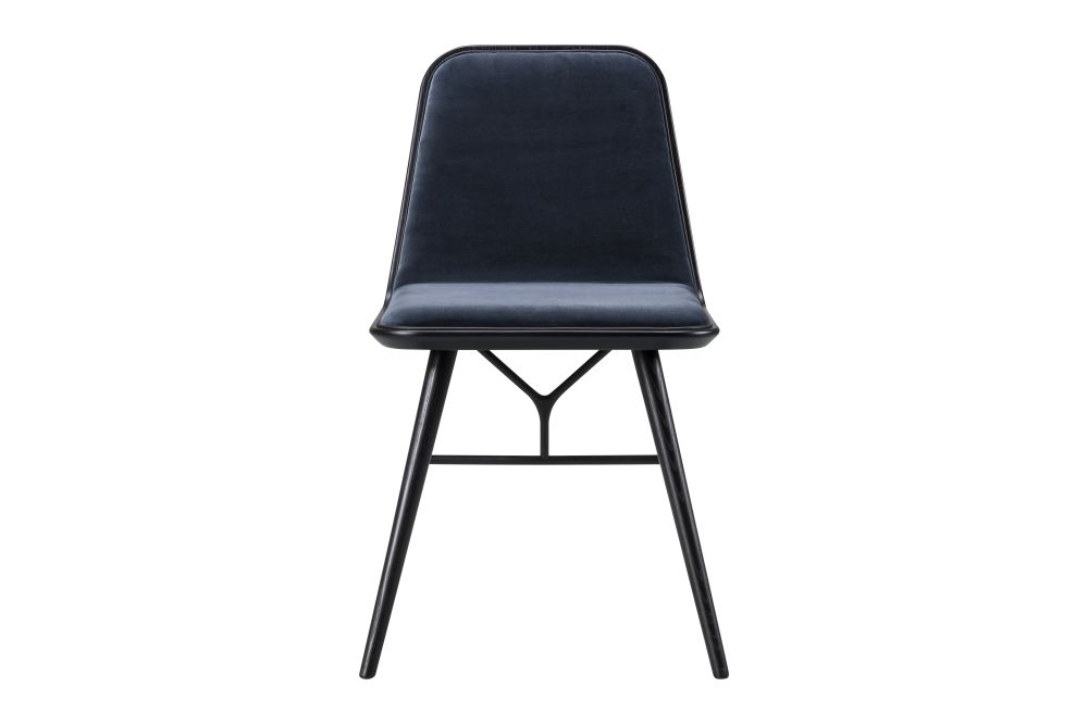https://res.cloudinary.com/clippings/image/upload/t_big/dpr_auto,f_auto,w_auto/v1606462862/products/spine-wood-base-chair-fredericia-space-copenhagen-clippings-9440051.jpg