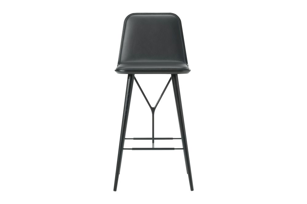 https://res.cloudinary.com/clippings/image/upload/t_big/dpr_auto,f_auto,w_auto/v1606464138/products/spine-wood-base-barstool-oak-black-lacquered-leather-58-black-fredericia-space-copenhagen-clippings-9414981.jpg
