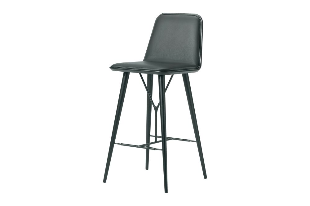 https://res.cloudinary.com/clippings/image/upload/t_big/dpr_auto,f_auto,w_auto/v1606464139/products/spine-wood-base-barstool-oak-black-lacquered-remix-2-982-fredericia-space-copenhagen-clippings-9414991.jpg
