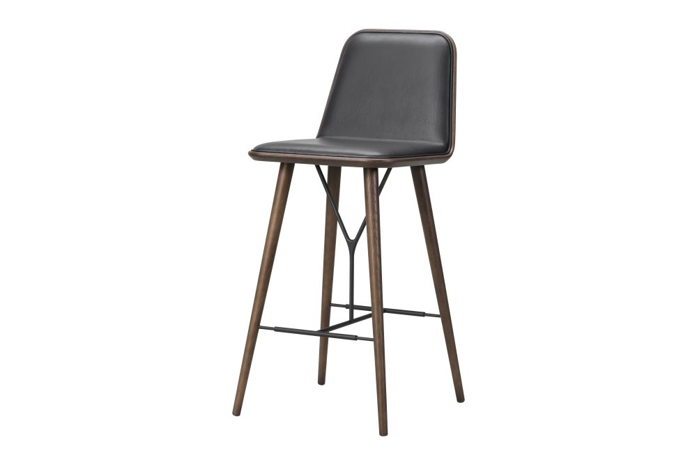 https://res.cloudinary.com/clippings/image/upload/t_big/dpr_auto,f_auto,w_auto/v1606464144/products/spine-wood-base-barstool-fredericia-space-copenhagen-clippings-9415031.jpg