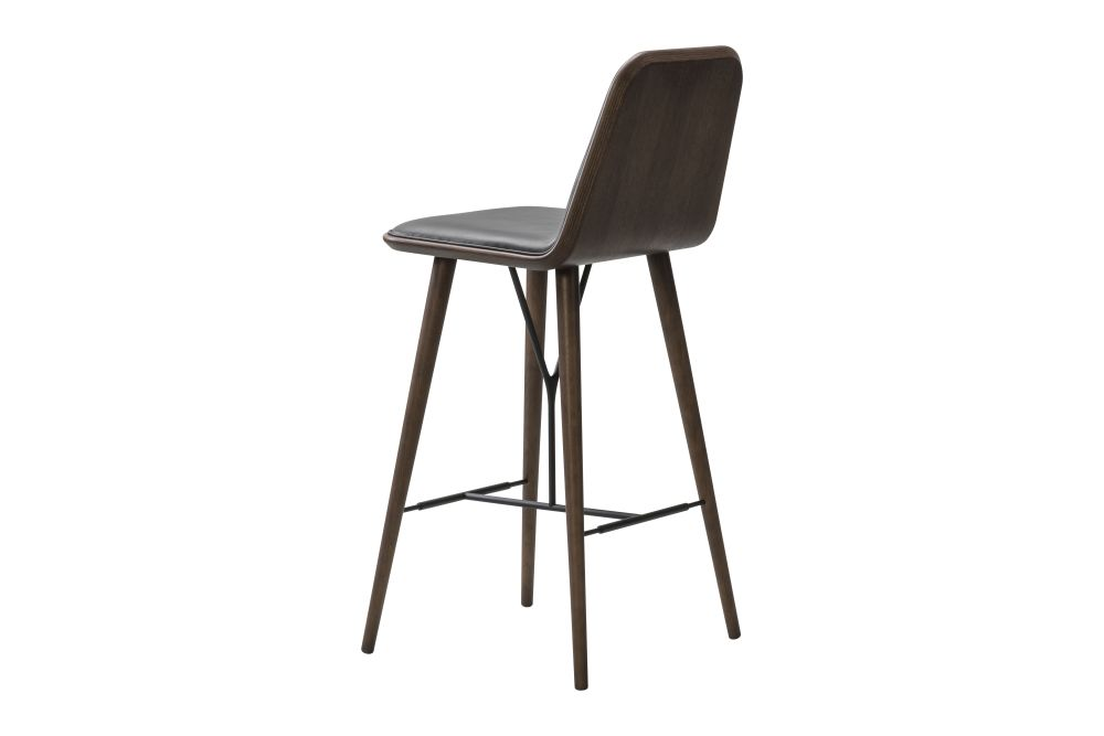 https://res.cloudinary.com/clippings/image/upload/t_big/dpr_auto,f_auto,w_auto/v1606464145/products/spine-wood-base-barstool-fredericia-space-copenhagen-clippings-9415041.jpg
