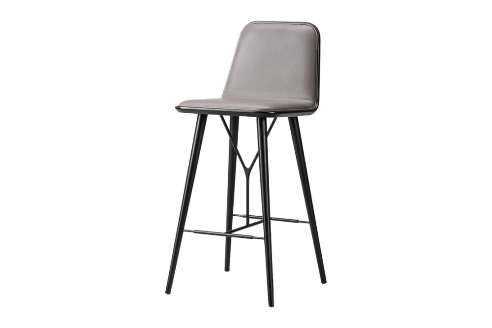 https://res.cloudinary.com/clippings/image/upload/t_big/dpr_auto,f_auto,w_auto/v1606464146/products/spine-wood-base-barstool-fredericia-space-copenhagen-clippings-11200045.jpg