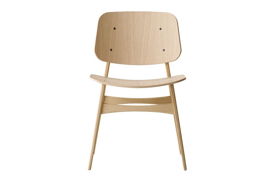 https://res.cloudinary.com/clippings/image/upload/t_big/dpr_auto,f_auto,w_auto/v1606466661/products/soborg-chair-wooden-frame-fredericia-b%C3%B8rge-mogensen-clippings-9442611.jpg