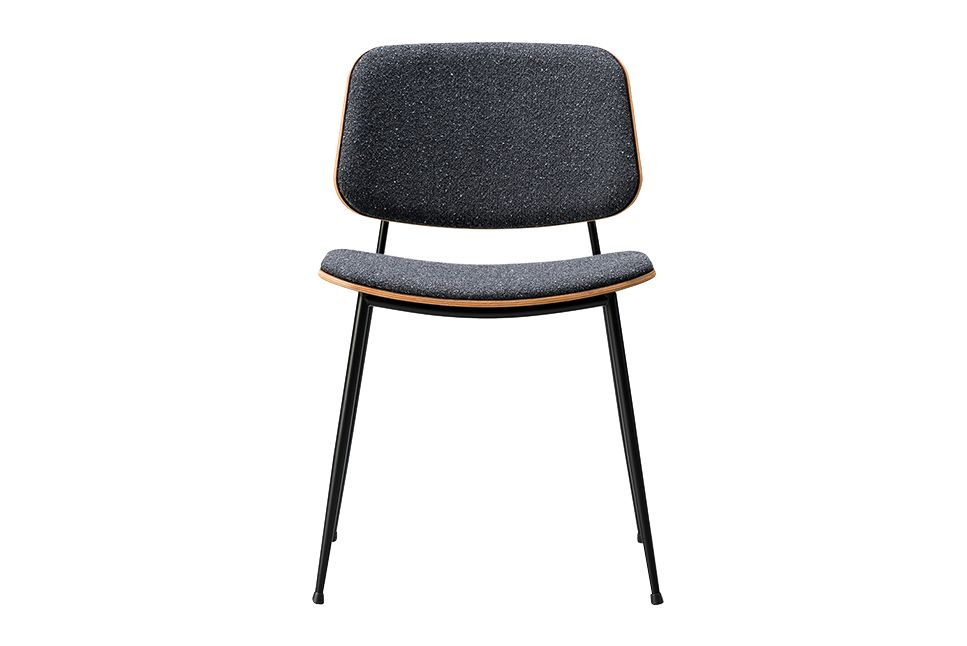https://res.cloudinary.com/clippings/image/upload/t_big/dpr_auto,f_auto,w_auto/v1606468477/products/soborg-chair-steel-frame-back-and-seat-upholstered-oak-smoked-stained-pilot-162-chrome-fredericia-b%C3%B8rge-mogensen-clippings-9444131.jpg