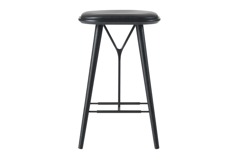 https://res.cloudinary.com/clippings/image/upload/t_big/dpr_auto,f_auto,w_auto/v1606469261/products/spine-wood-base-stool-fredericia-space-copenhagen-clippings-9406891.jpg