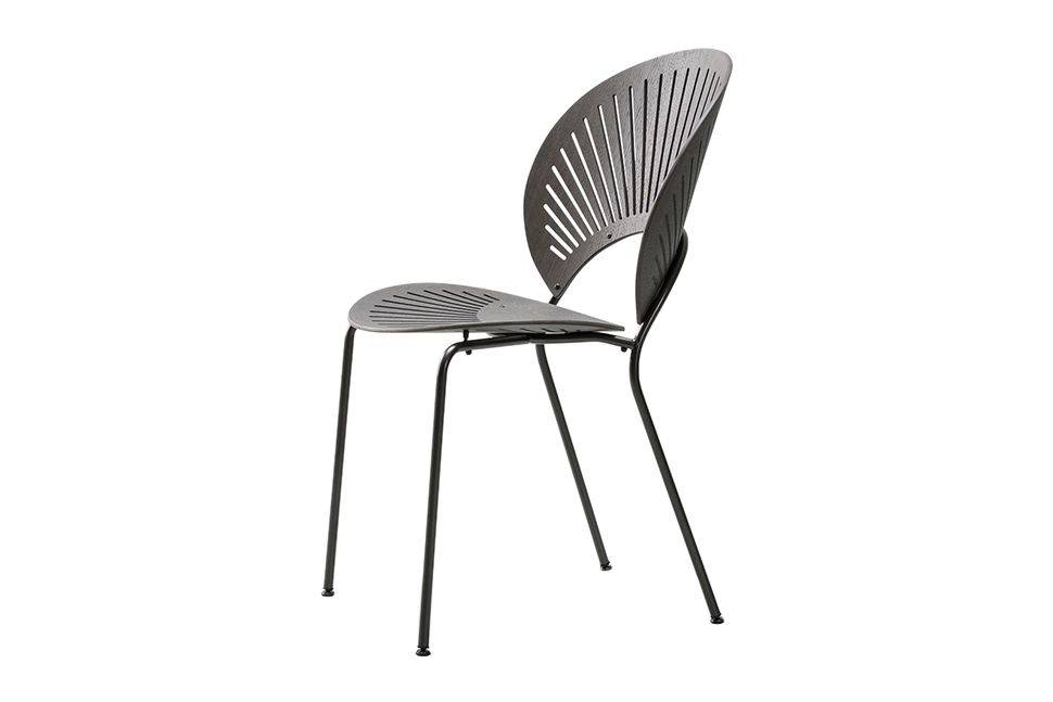 https://res.cloudinary.com/clippings/image/upload/t_big/dpr_auto,f_auto,w_auto/v1606470564/products/trinidad-chair-stackable-fredericia-nanna-ditzel-clippings-11199889.jpg