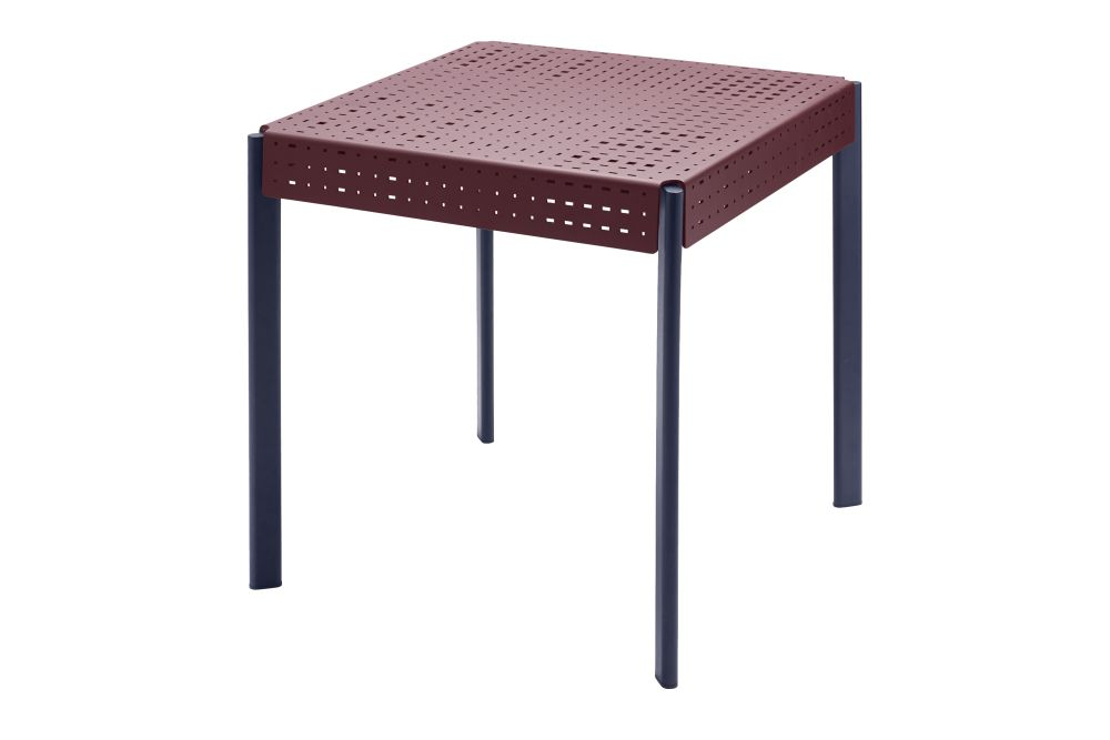 https://res.cloudinary.com/clippings/image/upload/t_big/dpr_auto,f_auto,w_auto/v1612359237/products/gerda-outdoor-side-table-skagerak-included-middle-clippings-11493398.jpg