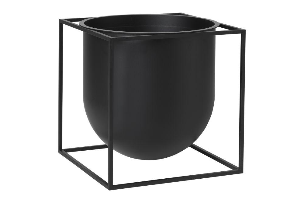 https://res.cloudinary.com/clippings/image/upload/t_big/dpr_auto,f_auto,w_auto/v1615440850/products/kubus-flowerpot-set-of-2-new-black-10-by-lassen-s%C3%B8ren-lassen-sarah-abbondio-clippings-11507349.jpg