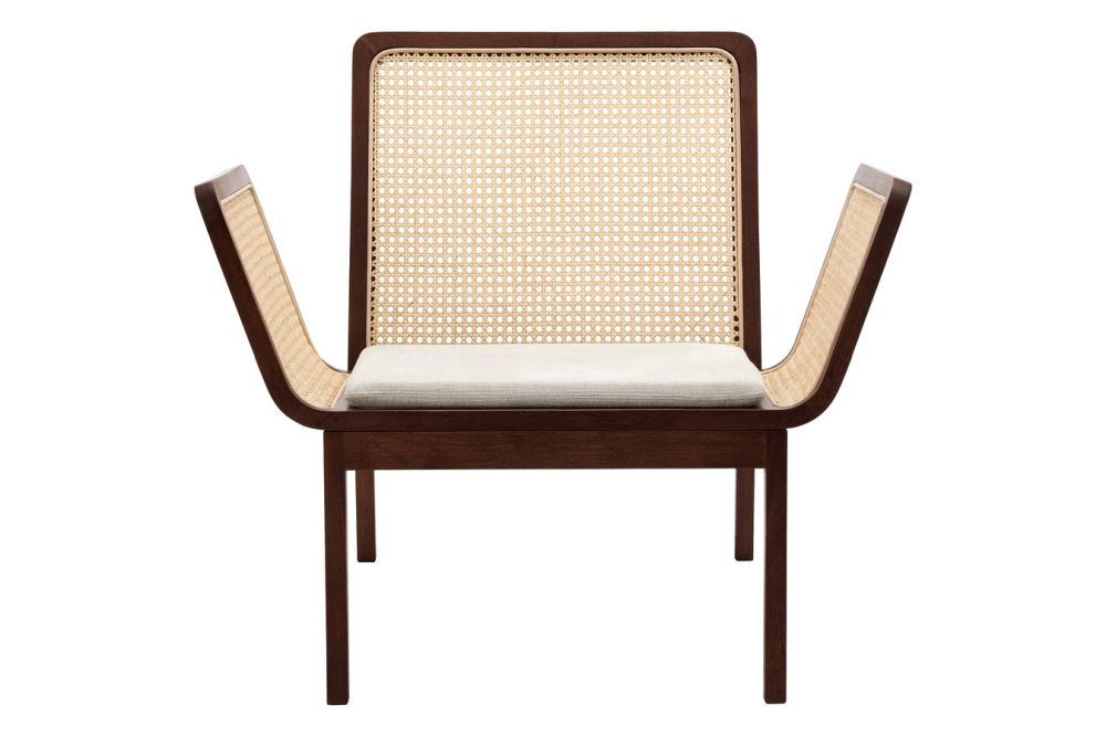 https://res.cloudinary.com/clippings/image/upload/t_big/dpr_auto,f_auto,w_auto/v1616162677/products/le-roi-lounge-chair-with-cushion-norr11-kristian-sofus-hansen-tommy-hyldahl-clippings-11516045.jpg