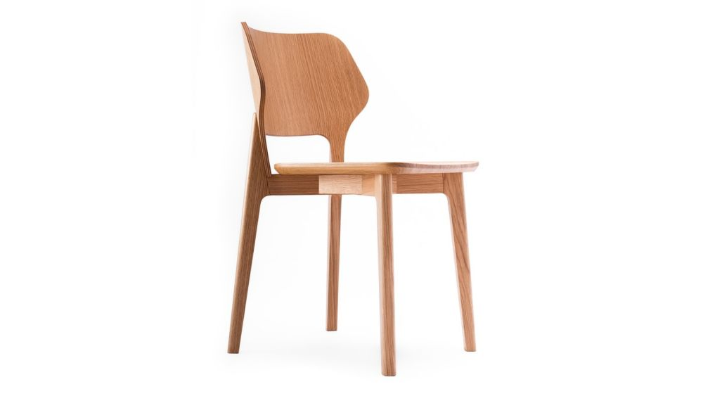 https://res.cloudinary.com/clippings/image/upload/t_big/dpr_auto,f_auto,w_auto/v1616665369/products/backer-chair-oak-hayche-clippings-11518485.jpg