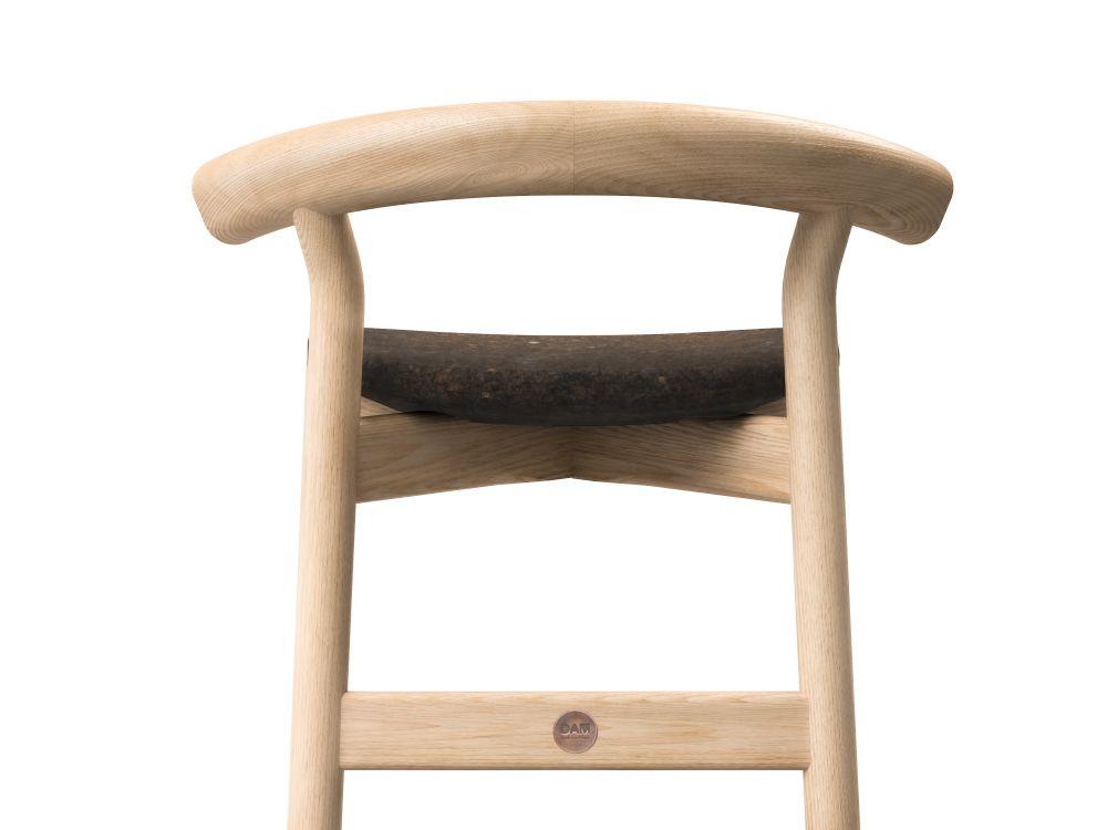 https://res.cloudinary.com/clippings/image/upload/t_big/dpr_auto,f_auto,w_auto/v1617117343/products/dina-bar-stool-with-backrest-dam-hugo-silva-and-joana-santos-clippings-11518860.jpg