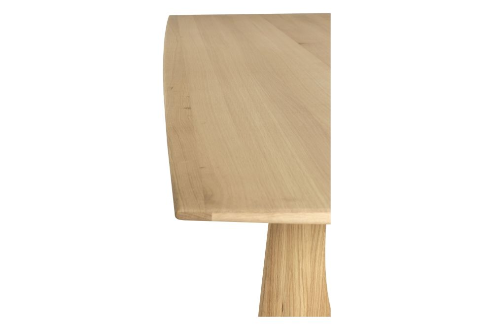 https://res.cloudinary.com/clippings/image/upload/t_big/dpr_auto,f_auto,w_auto/v1619534064/products/oak-geometric-dining-table-ethnicraft-alaian-van-havre-clippings-11528312.jpg